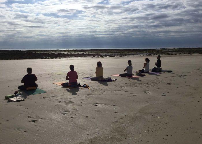 8 membres yoga nyama - 2
